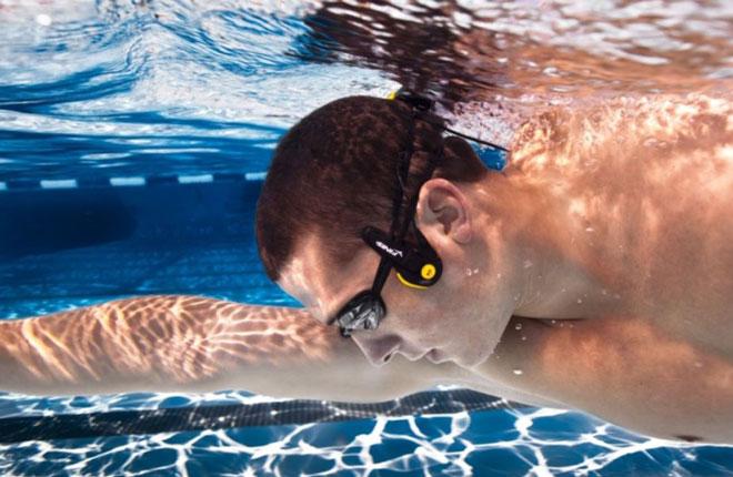 Беспроводные наушники для плавания